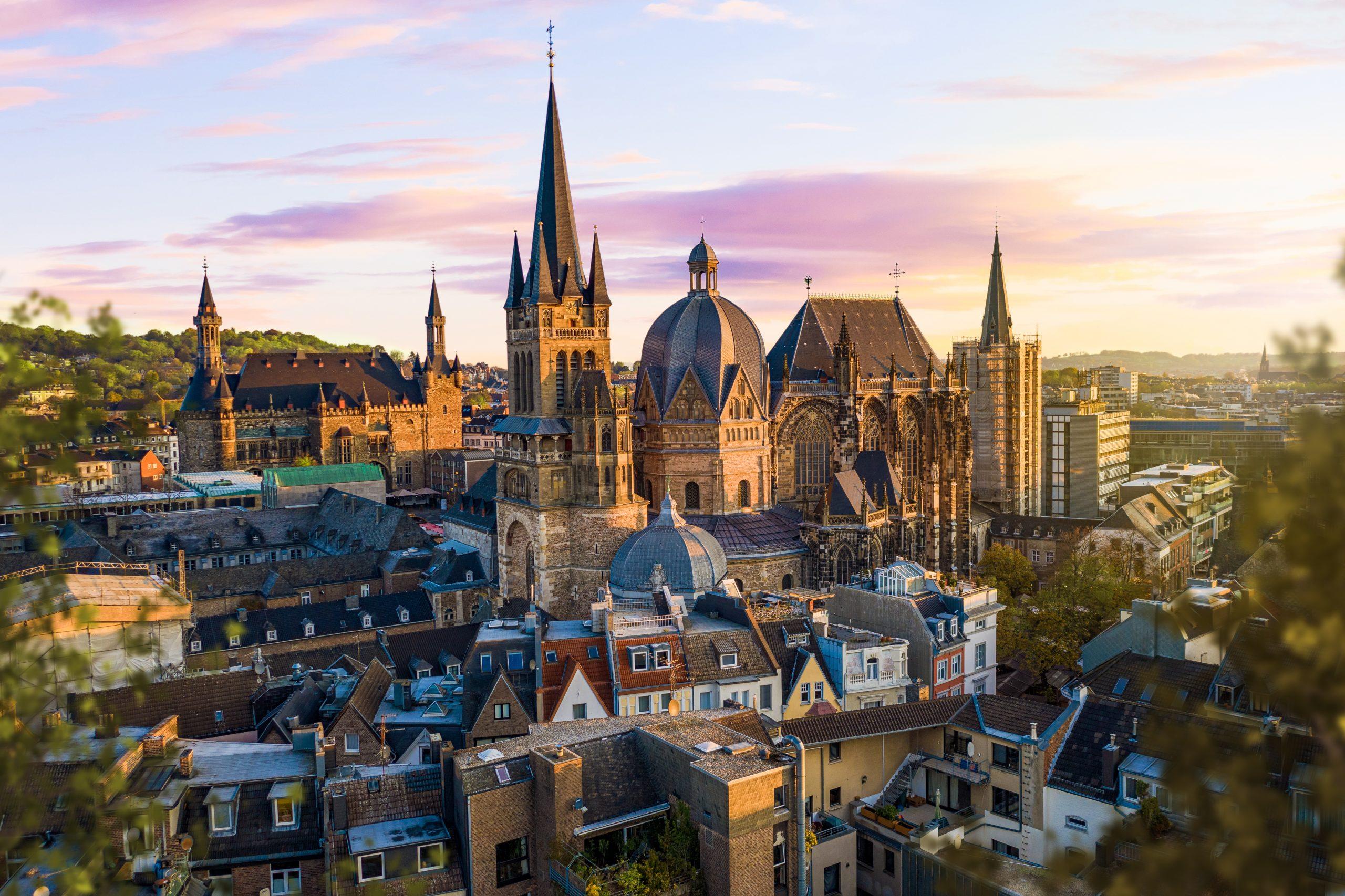 Aachen Innenstadt bei morgendlicher Stimmung, Sonnenaufgang